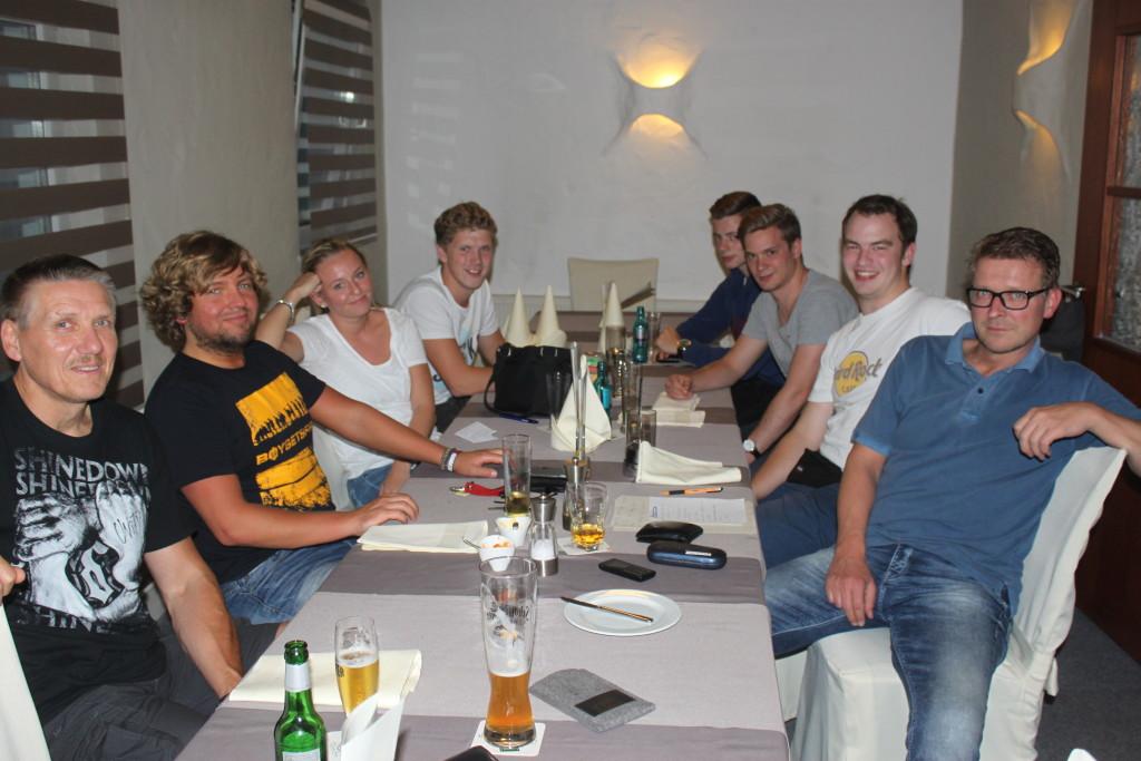 Jugend-Trainer-Sitz.-26.8.15 005